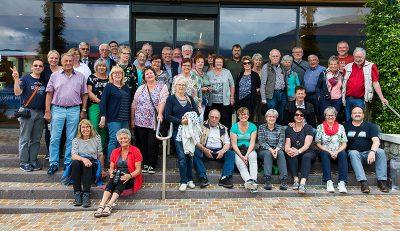 Gruppenbild vor der Distilleria Marzadro